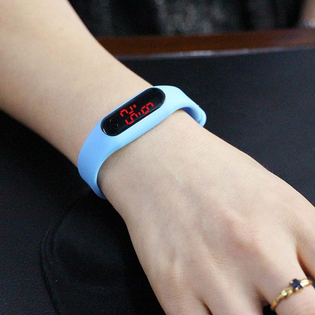 컬러 LED 스포츠 손목시계 [제작 대량 도매 로고 인쇄 레이저 마킹 각인 나염 실크 uv 포장 공장 문의는 네이뽕]