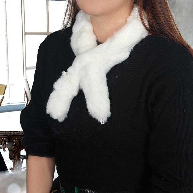 토끼털 목도리(화이트) (여성용) [제작 대량 도매 로고 인쇄 레이저 마킹 각인 나염 실크 uv 포장 공장 문의는 네이뽕]