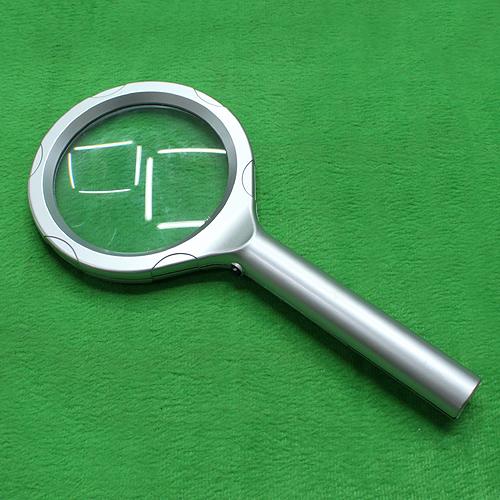 편리한 LED 써클 돋보기(小) (21.5cmx9cm)