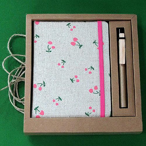 큐티 심플 앵두 디자인 미니노트(120매내외) (18cmx16cmx2cm)