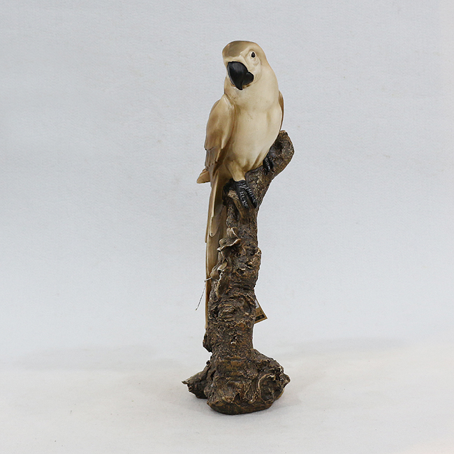 앵무새 조각상