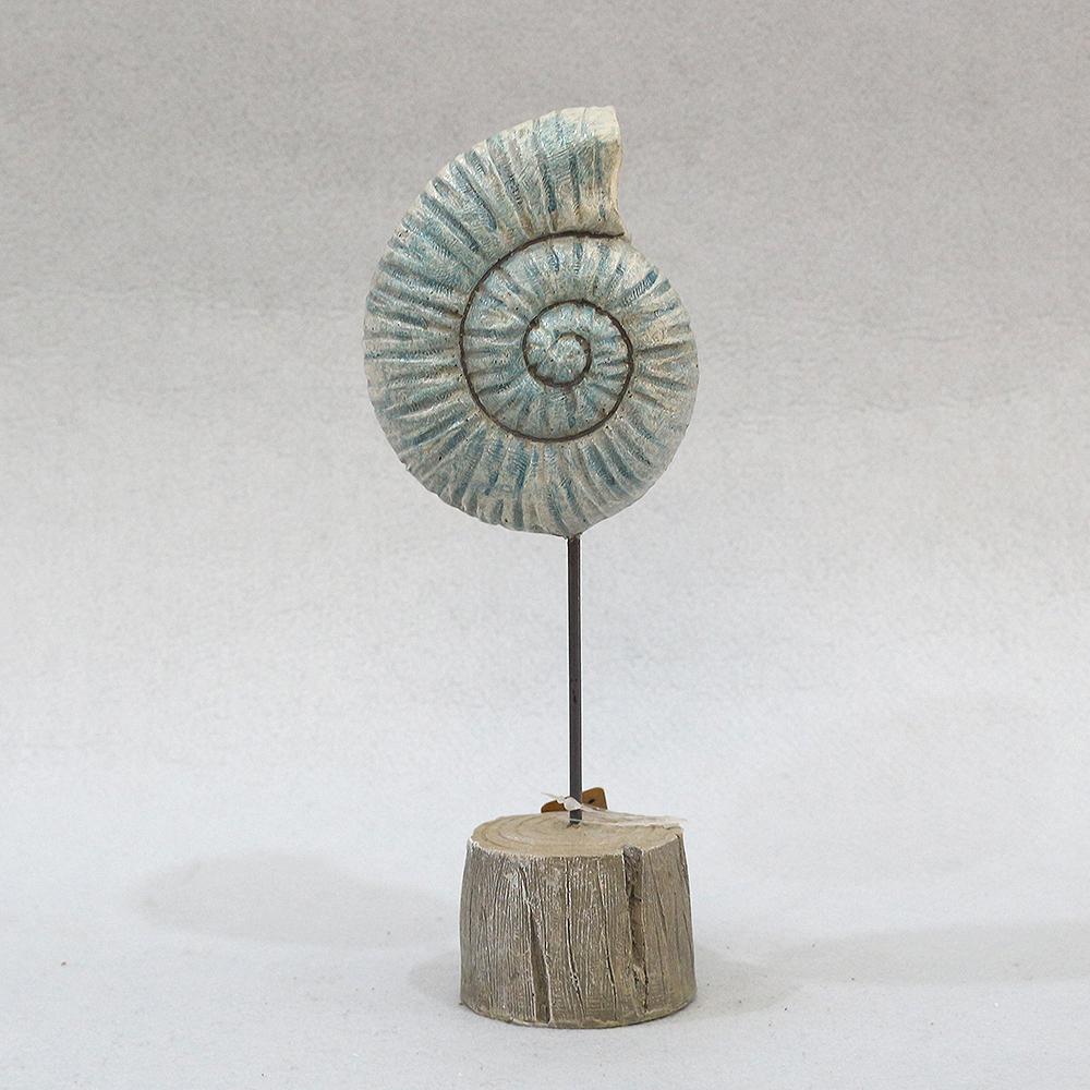 암모나이트 화석 조각상(中)
