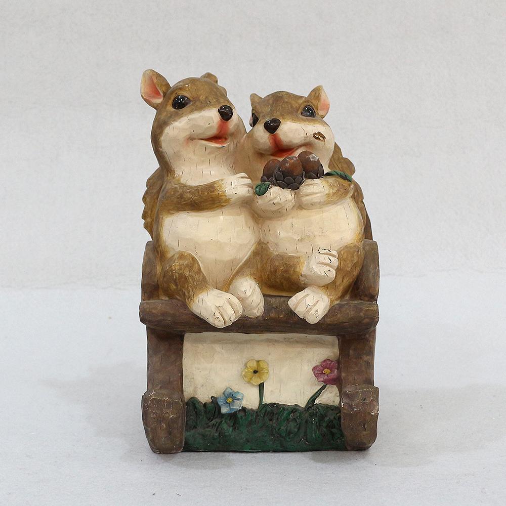 오순도순 다람쥐 커플 조각상