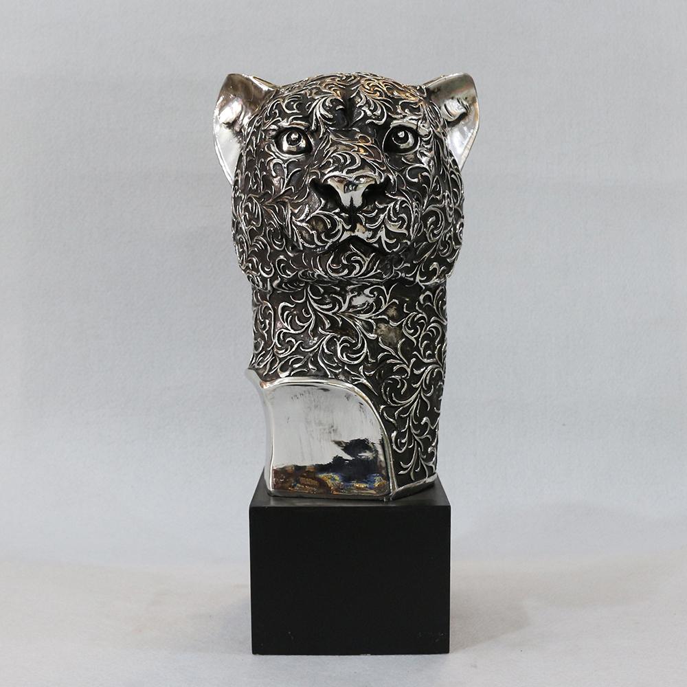 북유럽풍 표범 두상 조각상